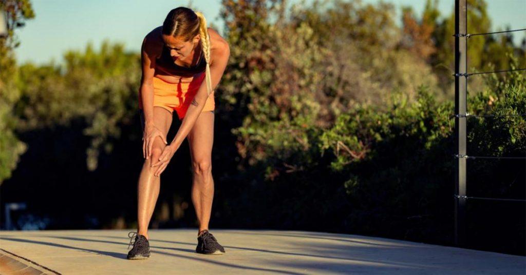 intenso dolore al ginocchio
